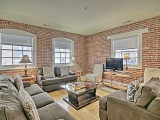 NEW! Modern Penthouse in the Heart of Inner Harbor