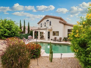 Quiet N Scottsdale 4BD/3BTH Home w/ Mountain View, Pool, BBQ - Sleeps 12!!