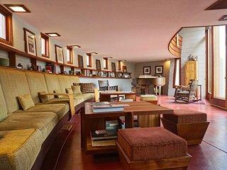 Frank Lloyd Wright's Meyer House