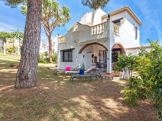 House jardin.solarium, sea view, near beach and shops 10 mn Marbella