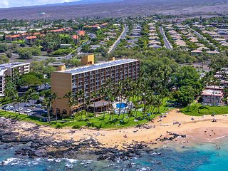 The Ultimate Maui Beach Condo Experience: Remodeled, On The Sand at Keawakapu