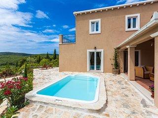 Villa Florosa with Swimming Pool