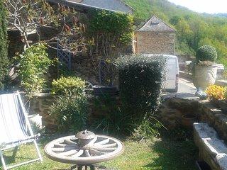Maison de village atypique au ceour de la vallee du Viaur