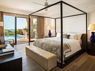 Romanos Villa Sleeps 4 with Pool and Air Con