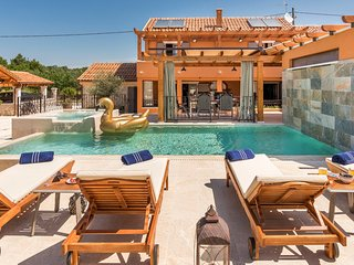 3 bedroom Villa with Pool, Air Con and WiFi - 5793093