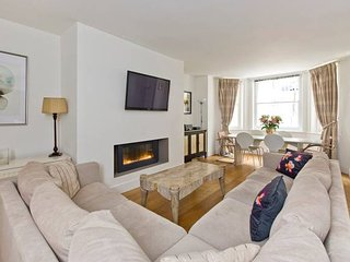 Fantastic 3 Bed Apartment In Earls Court