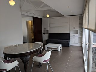 Top floor studio for two, just 200m from Obelisco!