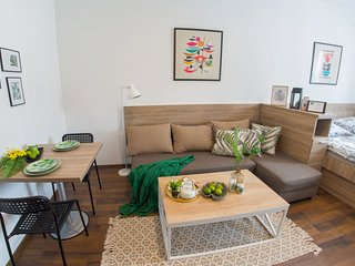 Apartment Green Leaf