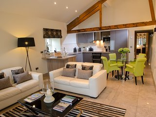 Contemporary Barn Conversion in Stunning Setting