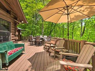 Rustic Sapphire Log Cabin w/Private Hot Tub & Deck