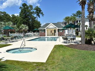 River Oaks Golf Course Condo w/pool access