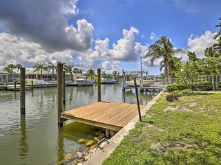 Updated Apollo Beach Home w/ New Dock & Hot Tub!