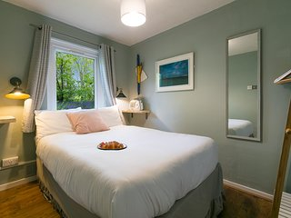 The Painter's Cottage - free parking & close to St Ives
