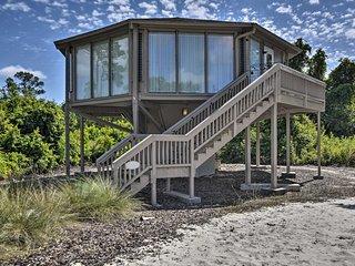 'A Little Taste of Paris' Treehouse on Lake Marion