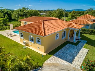 Spacious Villa with Private Pool and close to Adventure Park. OV 04