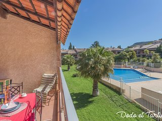 Splendide 1 bedroom with terrace and pool