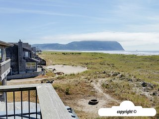 1615 N Prom - NAVIGATION POINT:  OCEAN FRONT + PET FRIENDLY
