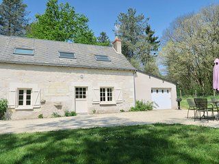 Country House La Caillere - with Private Garden and Access to Pool and Lake