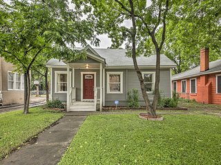 Modern San Antonio Home - 3.4 Mi. to Downtown
