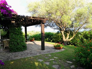 Gorgeous seaview Sardinian Villa w/ private garden