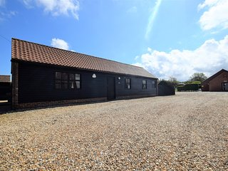 75196 Barn situated in Cromer (2mls S)