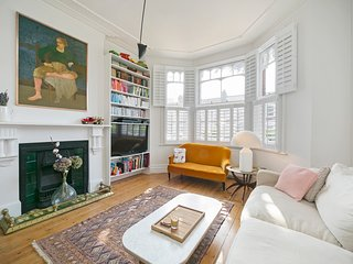 Stunning 2 Bed Apartment w/Garden near Kensal Rise.
