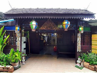 The Iyara Poshtel, A home for travelers
