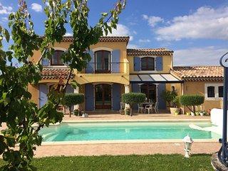 Villa Noisette de 160m² avec piscine privée - 8 personnes