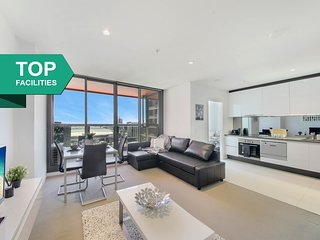 A Modern & Cozy 2BR Suite Next to Southern Cross