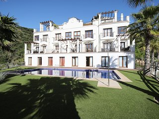 Stunning Two Bedroom Villa In Benahavis Hills Spa & Country Club