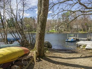 FALL FOLIAGE IS COMING! OVERSIZED WATERFRONT HOME ON PRIVATE COVE. SPACIOUS HOME