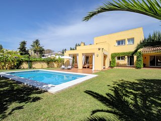 Stunning Villa 600m away from Beach, Minutes from Puerto Banus and Golf