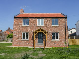 CHERRY TREE COTTAGE, WiFi, pet-friendly, Atwick