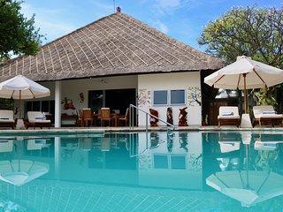 Villa Pantai - Luxury and Spacious Beach Villa