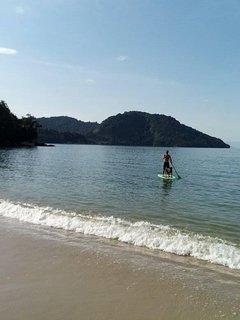 Paraty Mirim é perfeito para a prática de stand up paddle, caiaque e mergulho