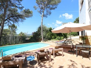 Stunning Villa Balzar with A/C, private pool sleeps up to 14