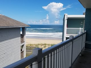 Whale-come Y'all! Beautiful Condo with Easy Beach Access!