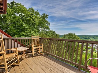 NEW! Burkesville Apt w/ Deck, Views & Pool Access!