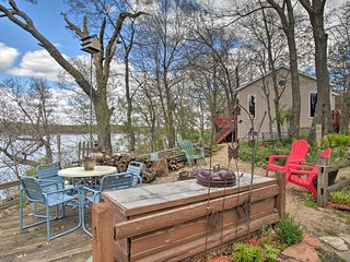 Airy Cottage w/Dock & Views on Buffalo Lake!