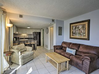 PCB Condo w/Pool & Beach Access, Monthly Discount!