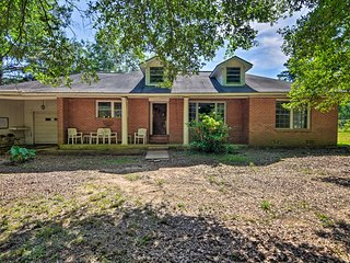 NEW! Secluded Baton Rouge Area Hideaway w/ Lawn!