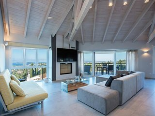 High furnished apartment with breathtaking sea view