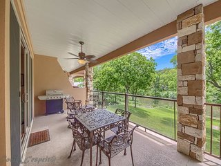 Gorgeous, upscale, gated with a pool on the Guadalupe River! River Access!