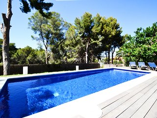 VILLA LUCITA is a fantastic property near the sea.