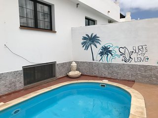 3 bedroom villa, private pool, walk to the beach
