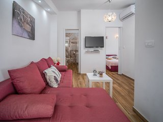 1 bedroom Villa with Air Con, WiFi and Walk to Shops - 5426772