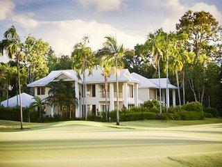Paradise Links Port Douglas Luxury Villa