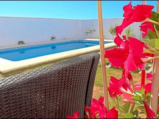 Chalet Chaparrillo con piscina