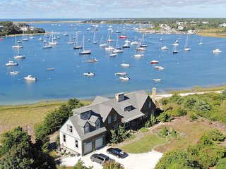 Extraordinary Chatham Waterfront Home.  Private Beach, Sleeps 10: 334-C