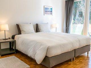 Magnifique appartement de 2 chambres a coucher avec vue sur le lac